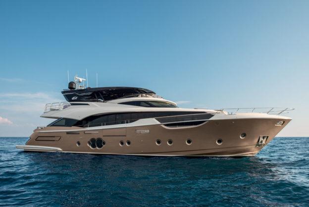 buy a luxury yacht