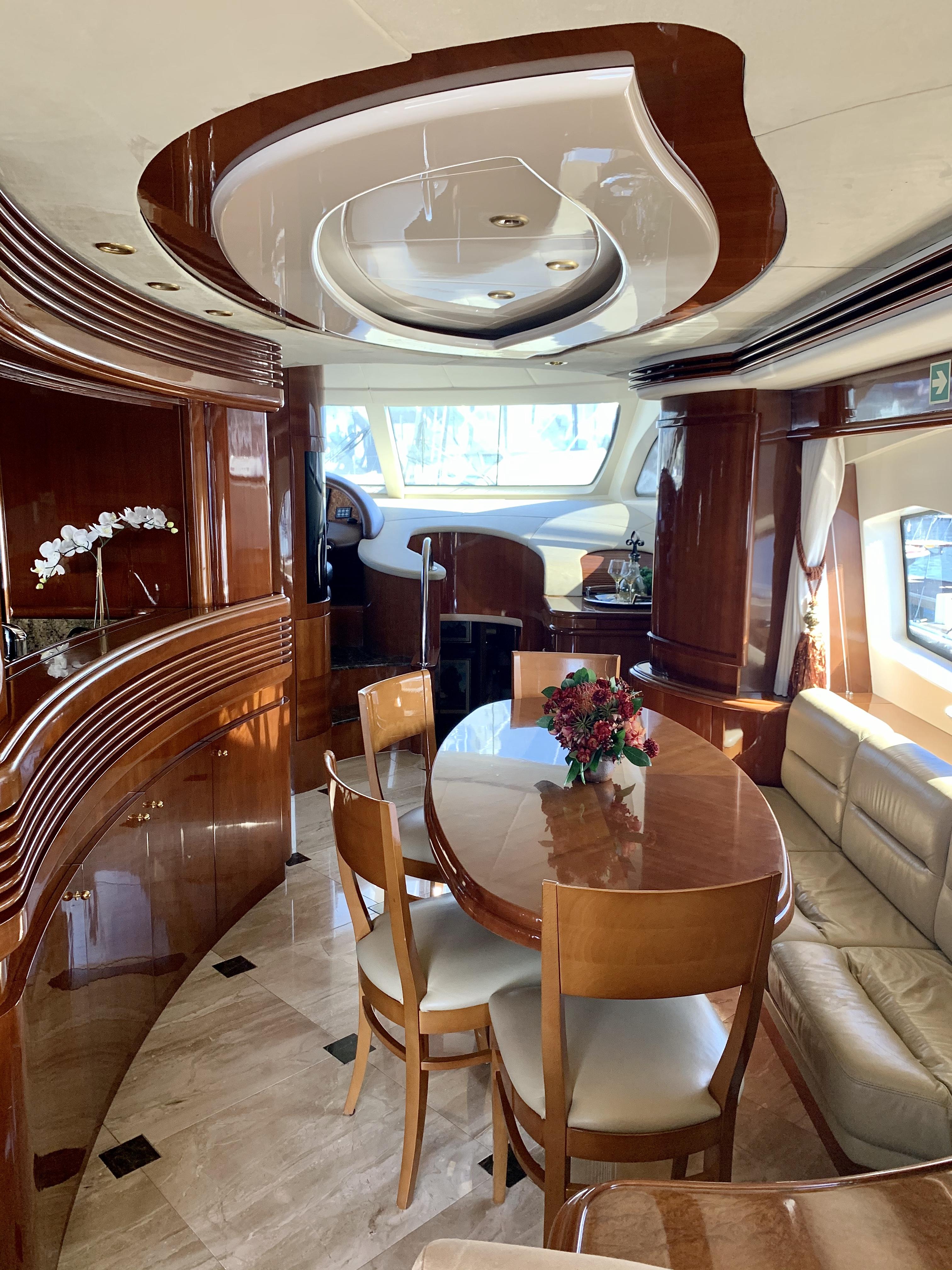 Luxury Yacht Engine Room: 2003 Azimut 80 Carat
